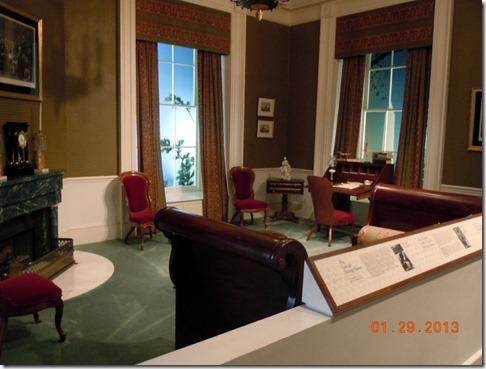 Lincoln sitting room replica
