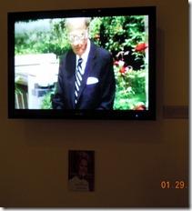 Billy Graham presiding over Pat Nixon's funeral