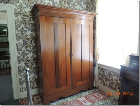 Lincoln's wardrobe