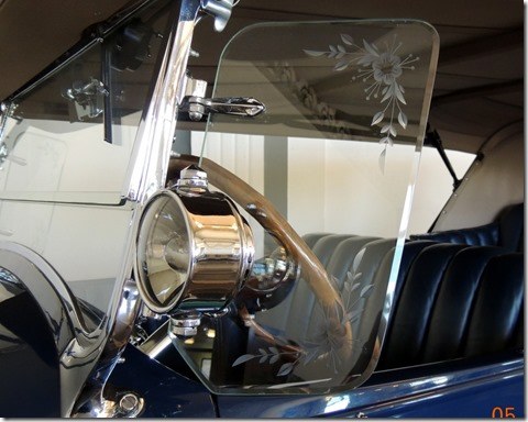 Window on the 1926 Duesenberg