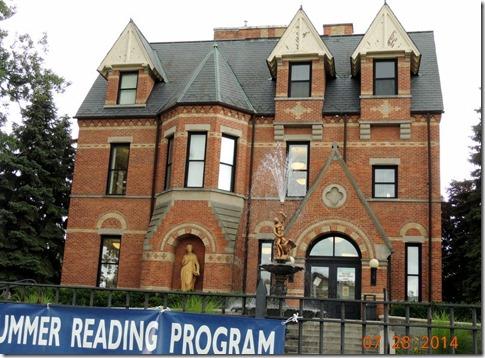 Chateau Style Library Bay City MI