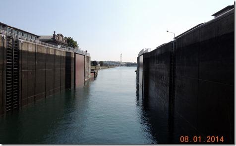 Canadaian side- Back lock closing -Soo Locks Tour
