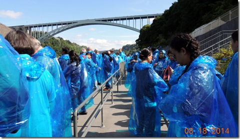 Lined up for Maid of the Mist