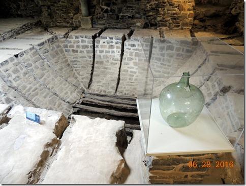 Archiology tour of Quebec City, ice storage