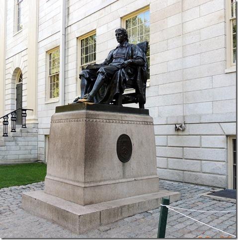 STaute of John Harvard