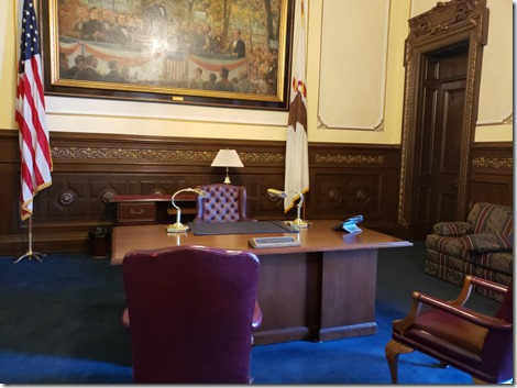 IL Gov desk