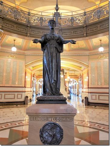 IL statue rotunda